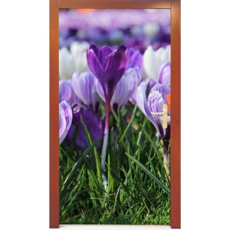 Naklejka na drzwi - fioletowe kwiaty