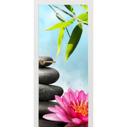 Naklejka na drzwi - kwiaty na kamieniach