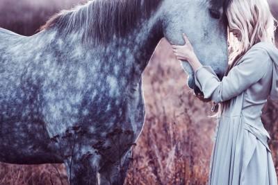 Dziewczyna koń natura zwierzęta