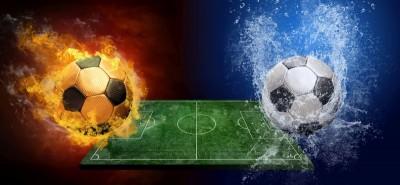 Stadion do piłki nożnej płonąca piłka, piłka we wodzie