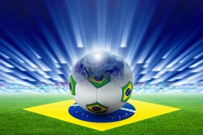 Piłka w Brazylijskie flagi Brazylia murawa