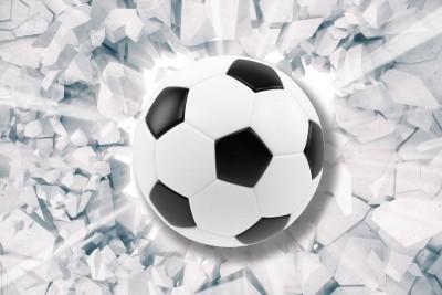 Piłka przebijająca mur piłka nożna
