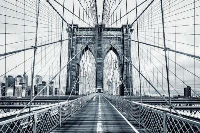 Most wiadukt miasto budynki architektura szarości