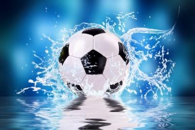 Piłka  w wodzie