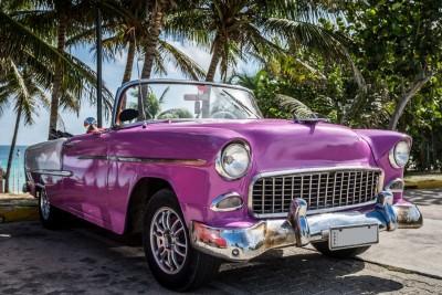 fioletowy samochód