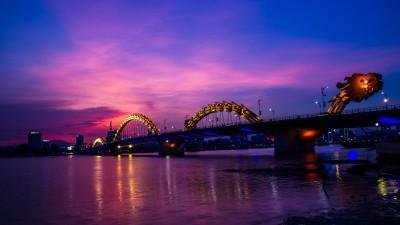kolorowy most, światła, smok