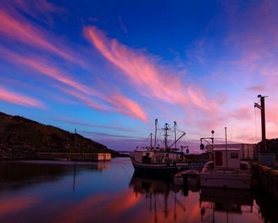 kolorowe niebo, statki